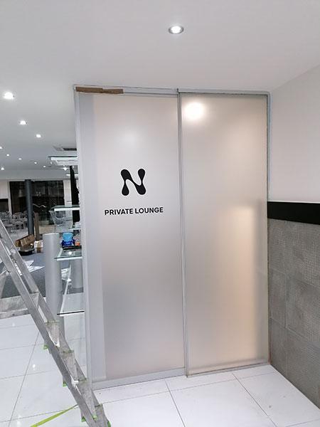 Polep showroomu